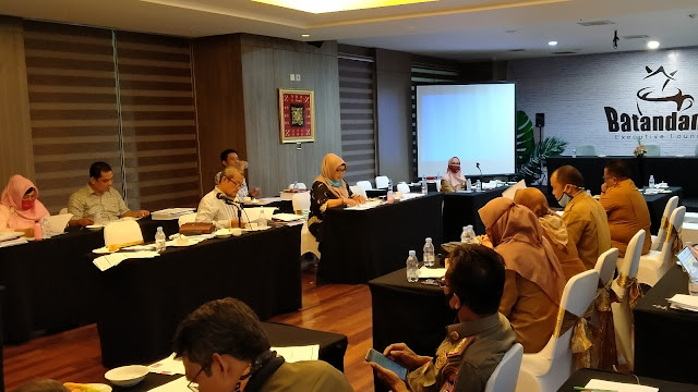 Foto: Rapat Pembahasan Anggaran Komisi I DPRD Padang dengan Bagian Protokoler dan Komunikasi Pimpinan Setdako Padang.