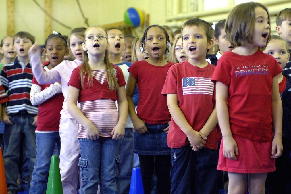 [kids-singing4]