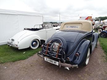 2017.07.01-053 arrières Packard One Ten cabriolet 1940 et Matford 1935