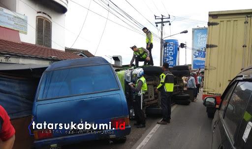 Tabrakan maut beruntun di Cicurug Sukabumi / Foto : Isep Panji (20/12019)