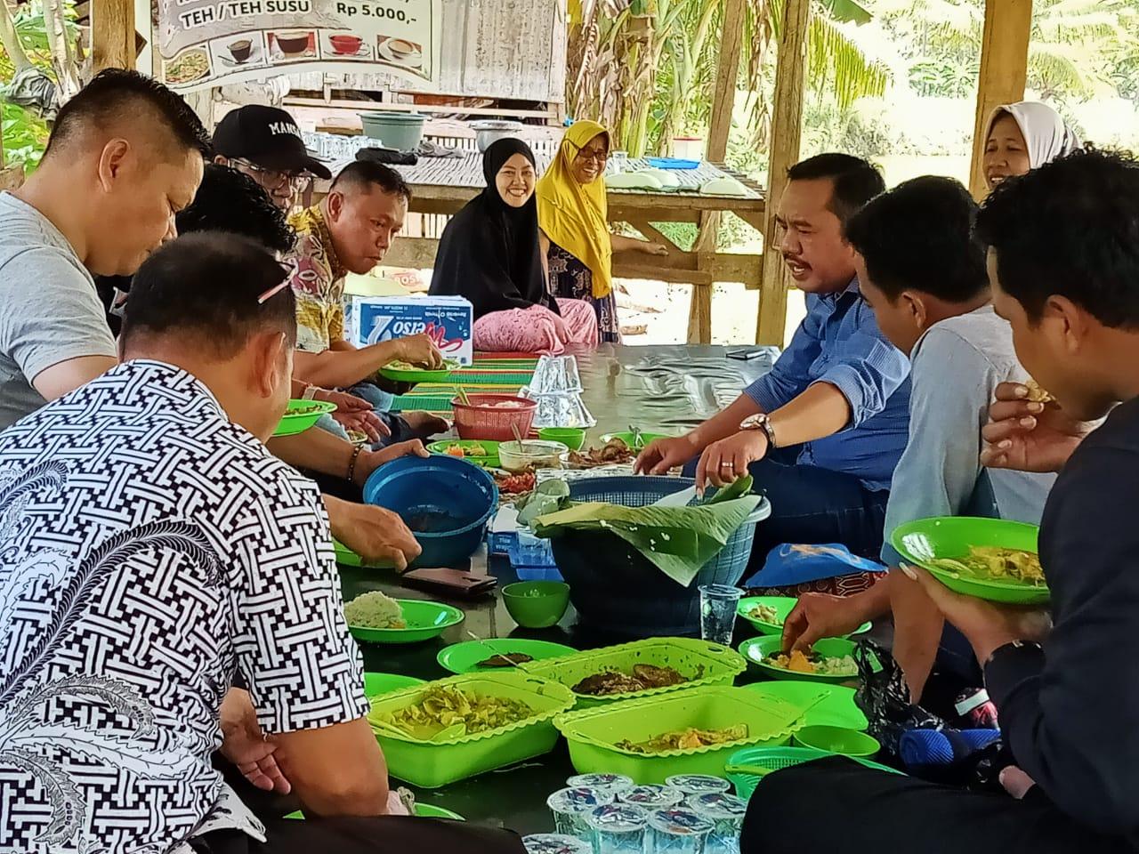 Rombongan Kakanwil Kemenag Berakhir Pekan di Obyek Wisata Pemancingan Wanua Lawiu Soppeng