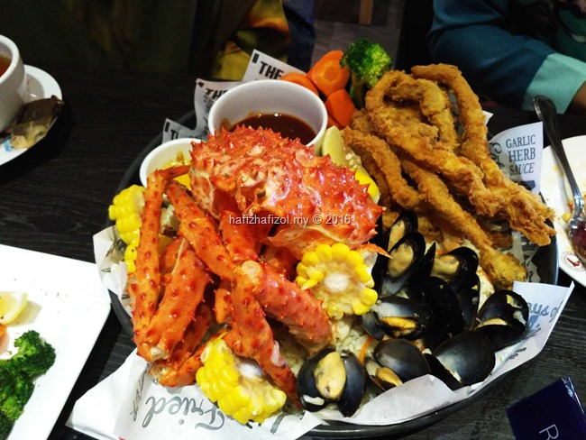 Dinner Seafood & King Crab di Manhattan Fish Market, Cyberjaya
