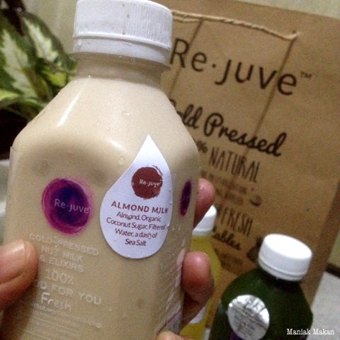 maniak-makan-rejuve-cold-pressed-juices-almond-milk