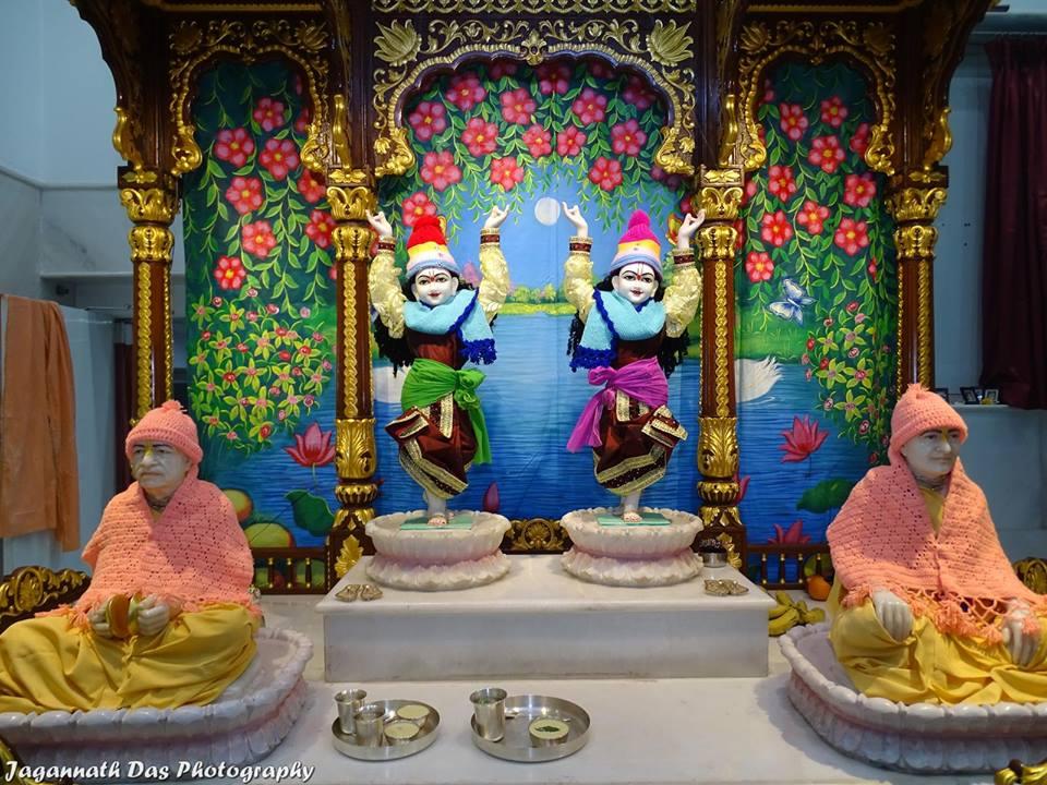 ISKCON Mira Road Deity Darshan 11 Jan 2016  (7)