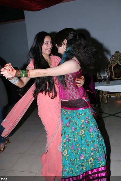 Ridhima and Snower shake a leg during the wedding ceremony of Resshmi Ghosh and Siddharth Vasudev.