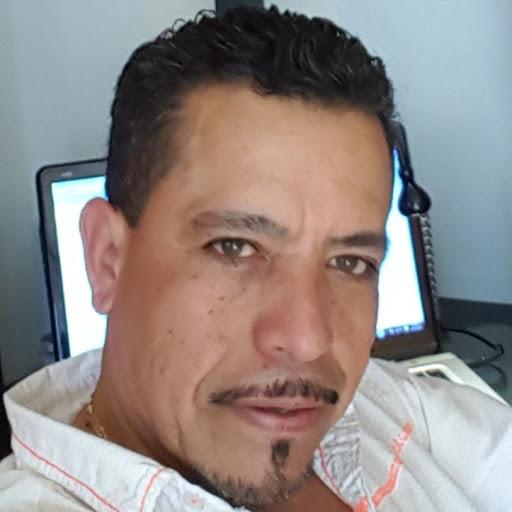 Ramiro Gomez Photo 30
