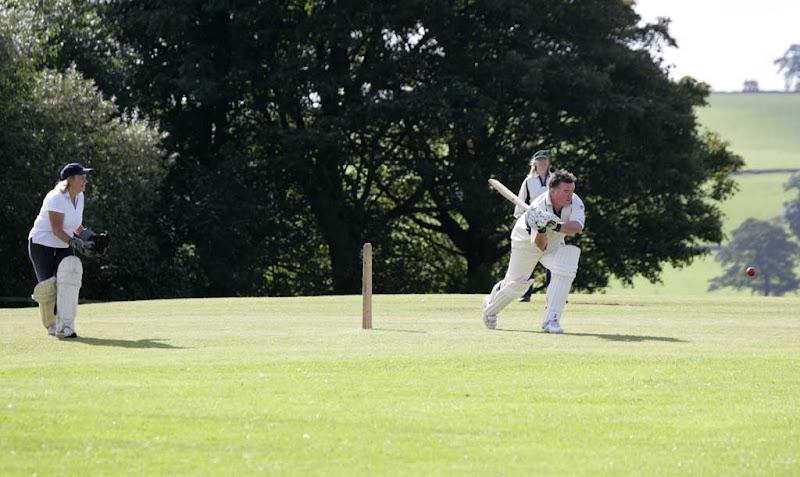 Cricket-Ladies16
