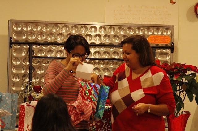 Servants Christmas Gift Exchange - _MG_0795.JPG