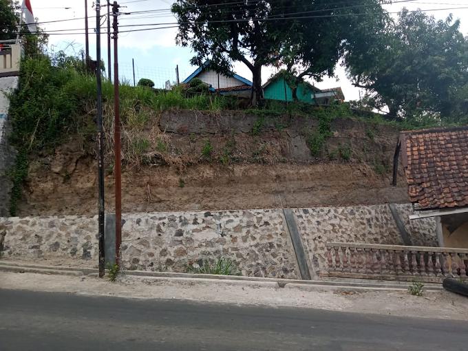 Pembangunan TPT Desa Bonang Dipertanyakan Warga