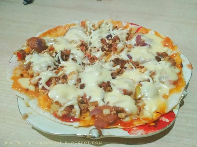 pizza lauk semalam menggunakan tortilla