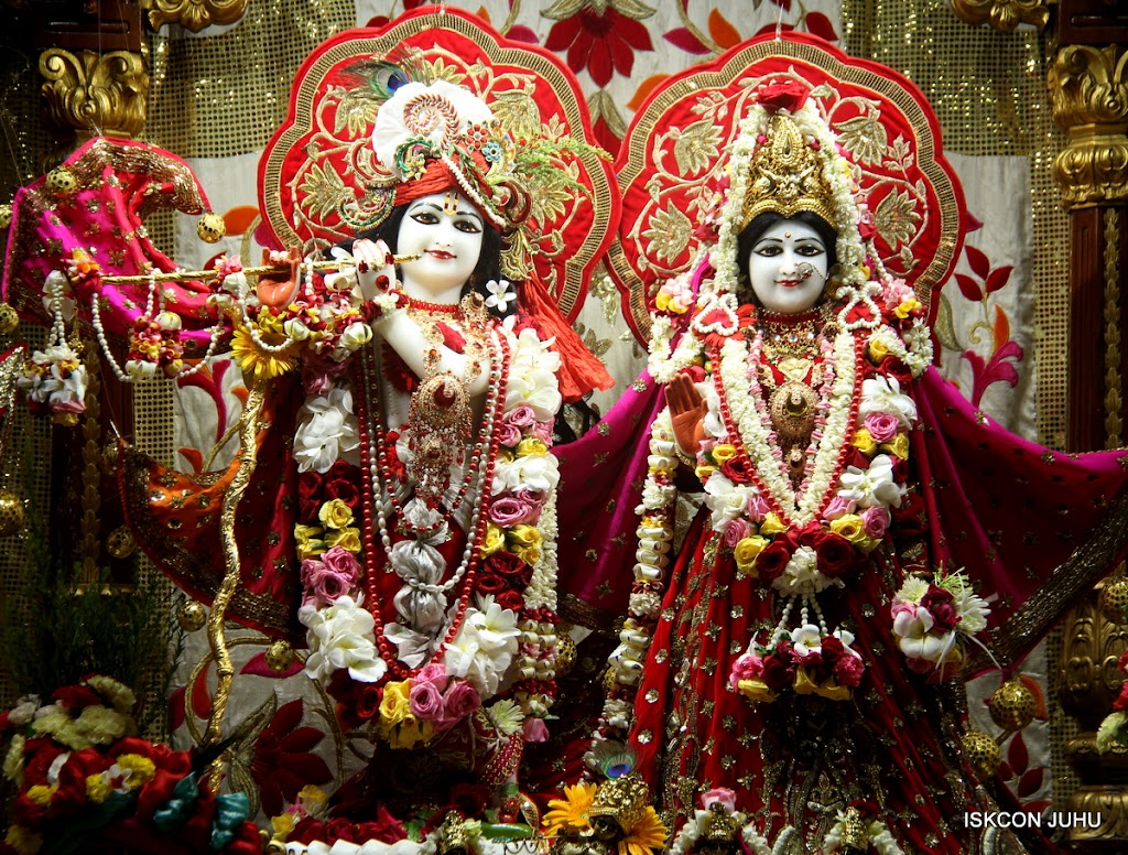 ISKCON Juhu Sringar Deity Darshan on 28th June 2016 (31)