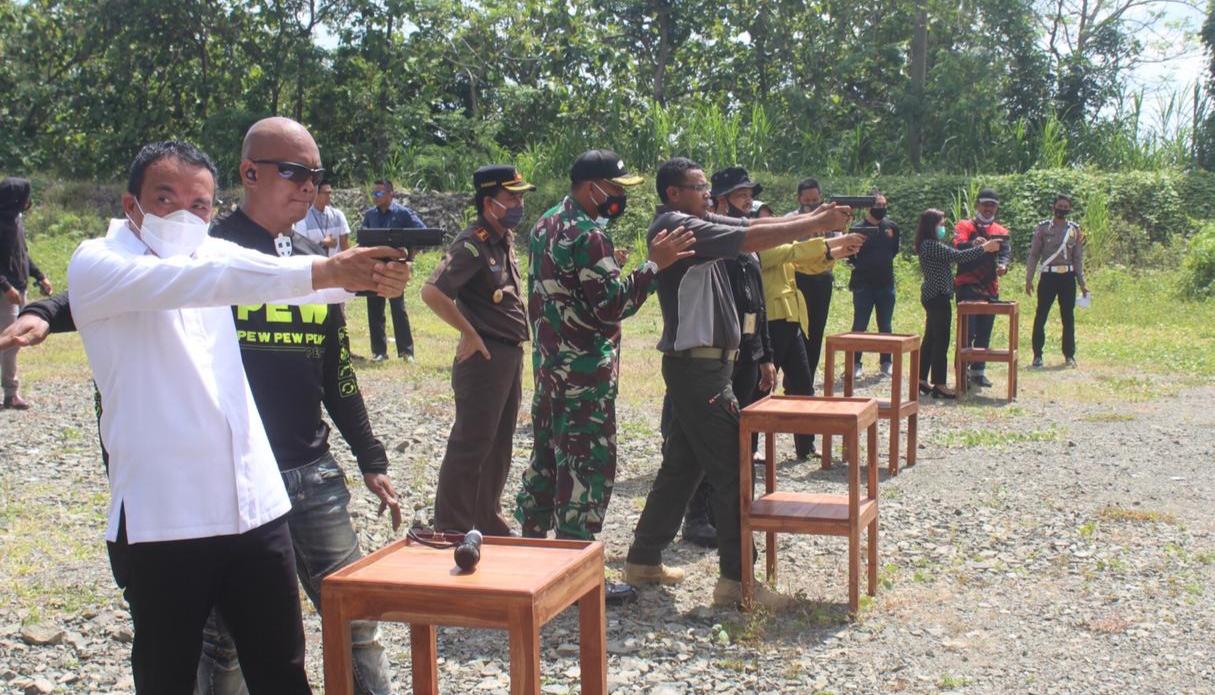 Forkopimda Hadir Dalam Latihan Tembak yang Dipimpin Kapolres Soppeng