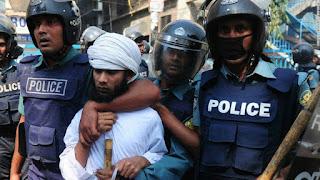 Bangladesh : la police annonce avoir tué le responsable présumé de l'attentat de Dacca.