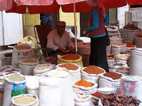 Étale sur le marché de Kashgar