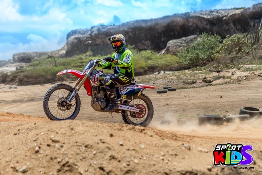 extreme motorcross Aruba - moto%2Bcross%2BGrape%2Bfiled%2BApril%2B2015-16.jpg
