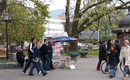 Bihac - students in town center