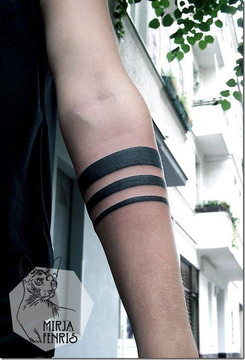 Tatuajes247 Tatuaje De Ideas Y Disenos Brazo Tatuajes Para Hombres A clever design that spans both wrists brazo tatuajes para hombres