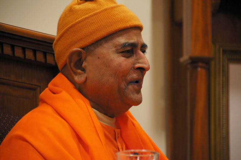 Swami Gautamanandaji delivered a inspirational talk to the devotees.