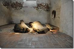 3 lubeck eglise ste Mary cloches brisées lors d'un bobardement en 1944 et laissées volontairement en l'etat
