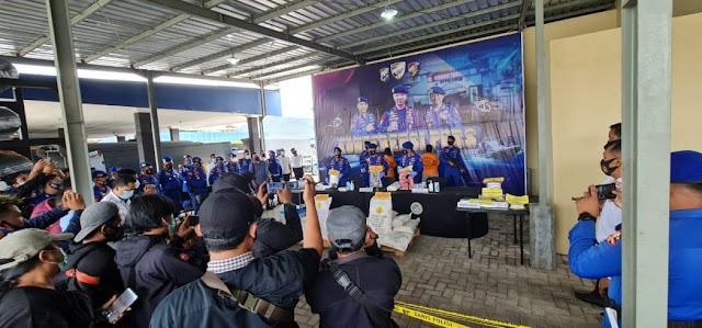 Lagi, Polri ungkap 25 Ton Bahan Peledak untuk Bom Ikan