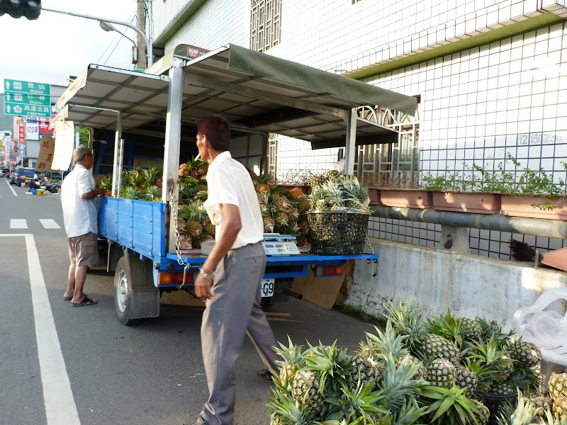Tainan County. De Baolai à Meinong en scooter. J 10 - meinong%2B203.JPG