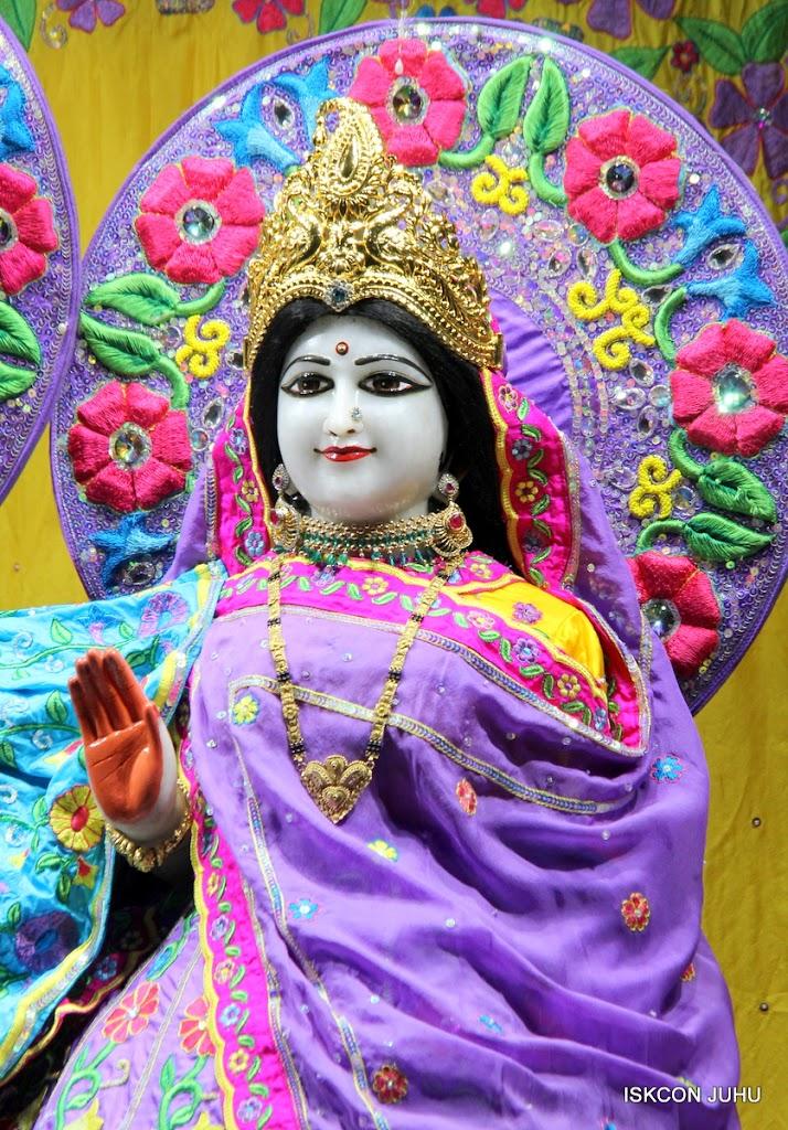 ISKCON Juhu Mangal Deity Darshan on 24th Sep 2016 (16)
