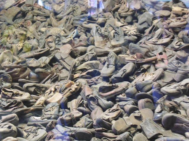 Zapatos de los presos judíos