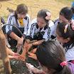 23 Villaggio di Honar,le donne si lavano le mani prima del pranzo.jpg