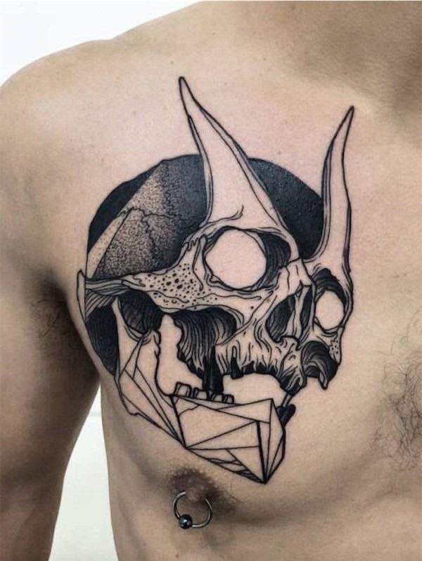 chifrudo_crnio_tatuagem_no_peito