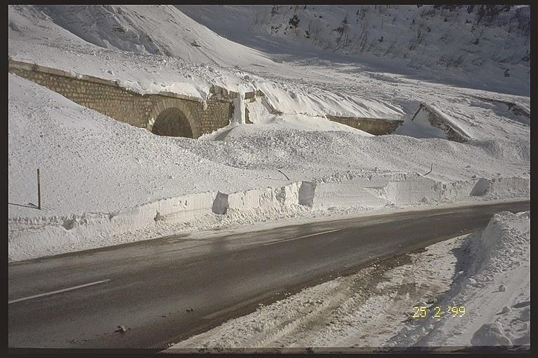 Avalanche Oisans, secteur Grand Galibier - Rif Blanc, RD1091 ; Tunnel du Rif Blanc - Photo 1