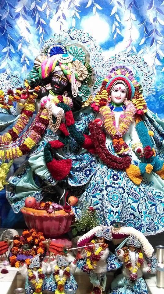 ISKCON Chandigarh Deity Darshan 20 Dec 2015 (2)