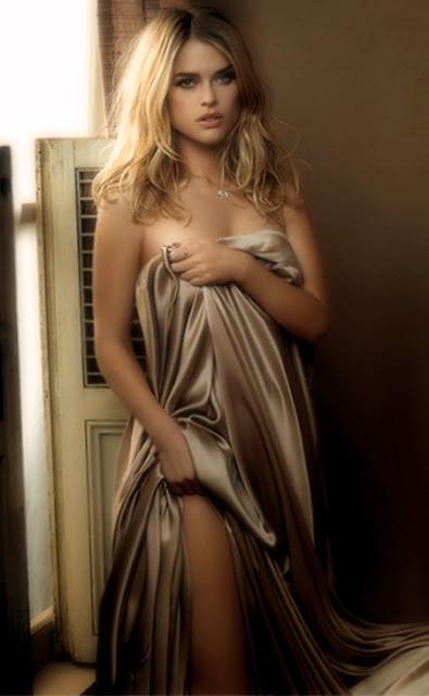 英國爆乳G奶女星艾莉絲伊芙Alice Eve 裸進《星際爭霸戰》 個人資料 三圍