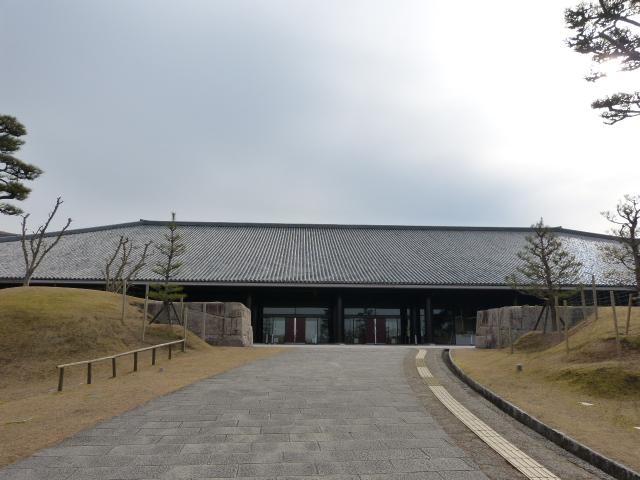 会場の奈良県新公会堂