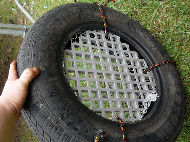 this car tire has a great for collecting the vermicast