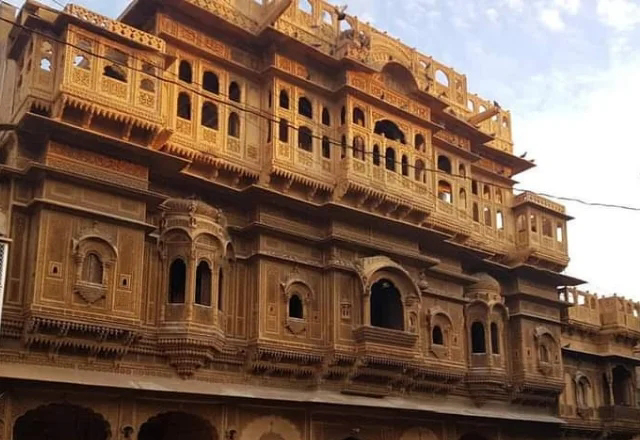Nathmal ji ki haveli Jaisalmer in hindi