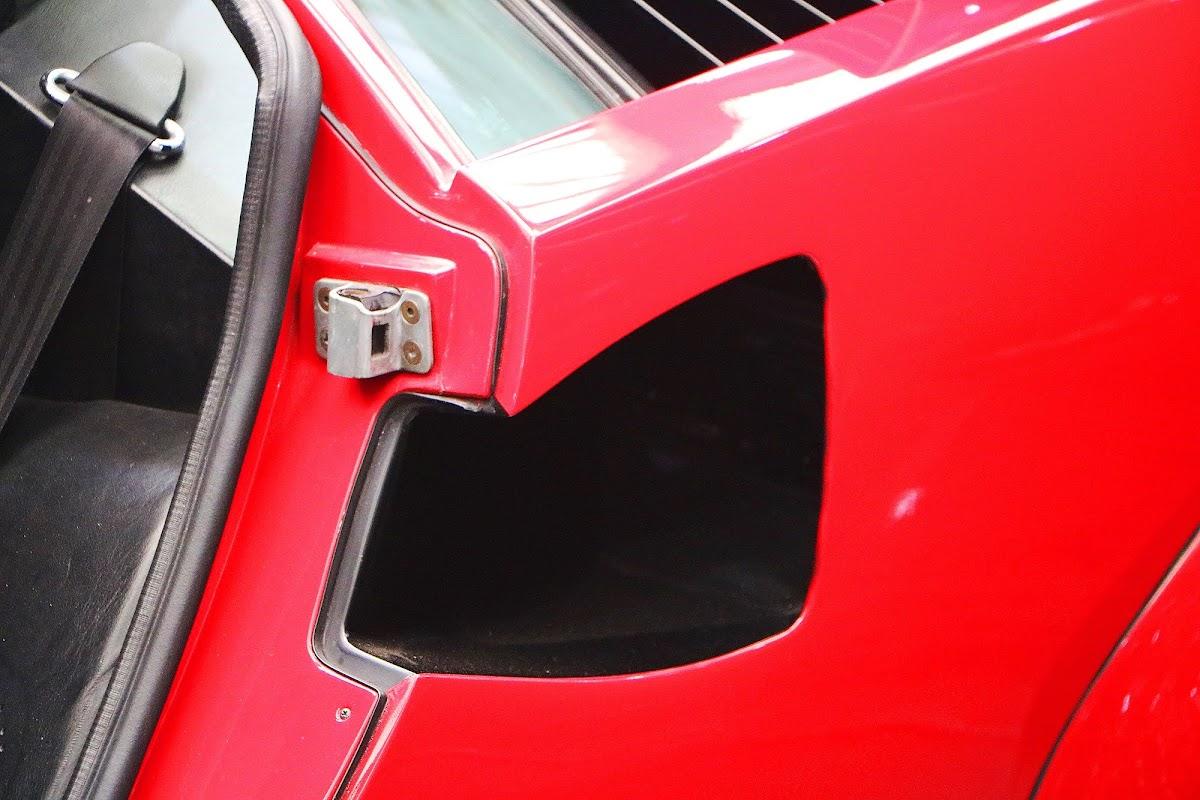 Lamborghini Countach (15).jpg