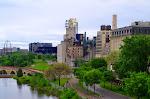 """Kein Abriss - die Ruine der ehemals größten """"Mehl-Mühle"""" der Welt beherbergt heute ein Museum in einem sehr ansehnlichen Viertel."""