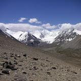 Mont Kyzyldong (5700 m) au sud du col Koi-Tezek (4271 m), à l'Est de Jelondy ; N 37° 26.882' E 72° 48.717', Pamir, Tadjikistan, 20 juillet 2007. Biotope de Synchloe callidice. Photo : F. Michel