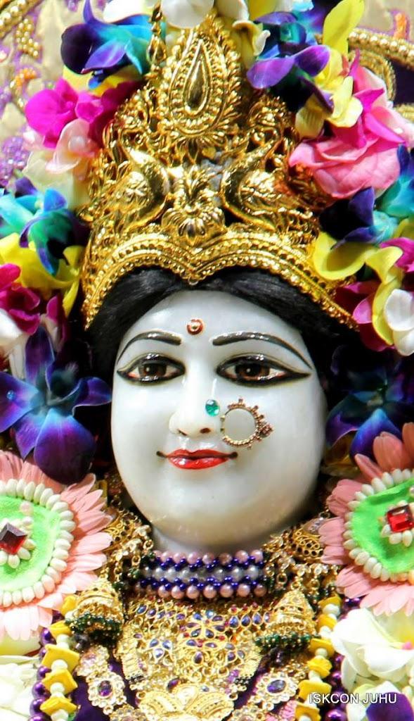 ISKCON Juhu Sringar Deity Darshan 19 Dec 2015 (16)