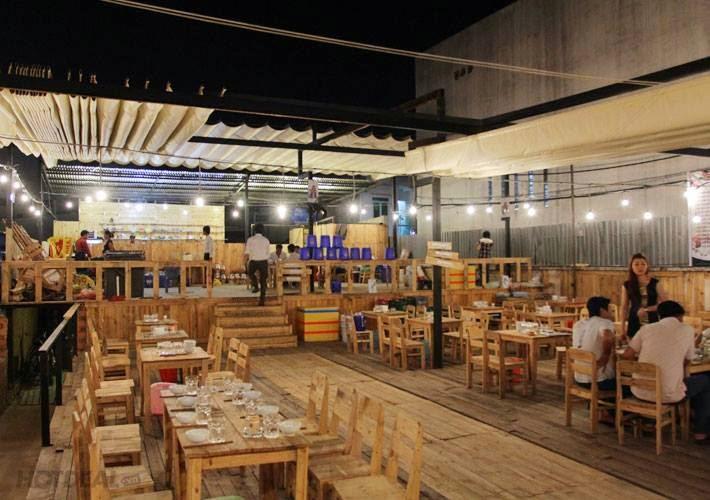 Lắp đặt mái xếp giá rẻ cho nhà hàng