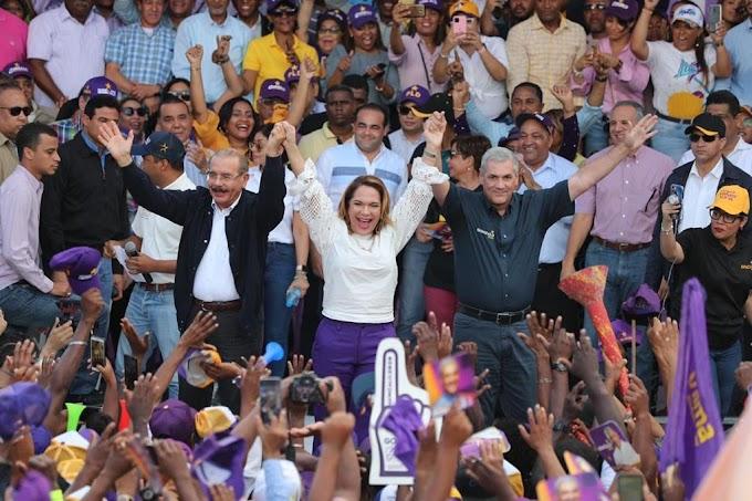 DANILO Y GONZALO ENCABEZAN GRAN MARCHA CARAVANA Y JURAMENTACIÓN CANDIDATOS MUNICIPALES EN SAN PEDRO DE MACORIS