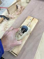 マイ箸作り体験ではカンナを使います