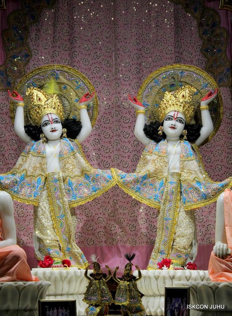 ISKCON Juhu Mangal Deity Darshan on 24th Oct 2016 (31)