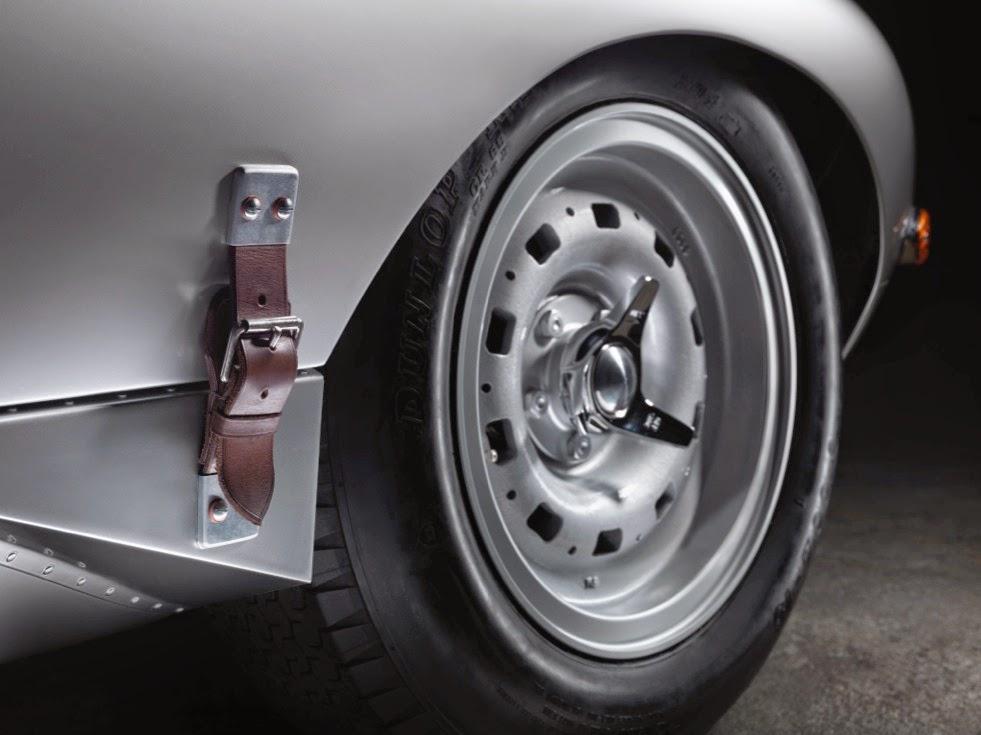 Jaguar Lightweight E-Types Hero_10