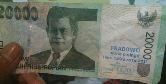 politik uang
