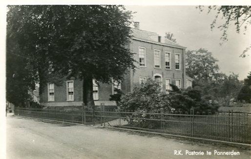Pannerden187 jaren 40 pastorie.jpg