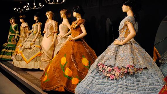 Exposición 'Vestidos de papel de Mollerussa' en Nuevo Baztán