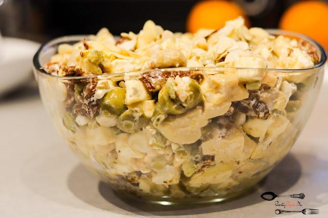 imprezowa sałatka,sałatka z fetą,szybka sałatka,sałatka z mozzarellą,łatwa sałatka,sałatka z s,sałatka z ogórkami,sałatka z oliwkami,sałatki,
