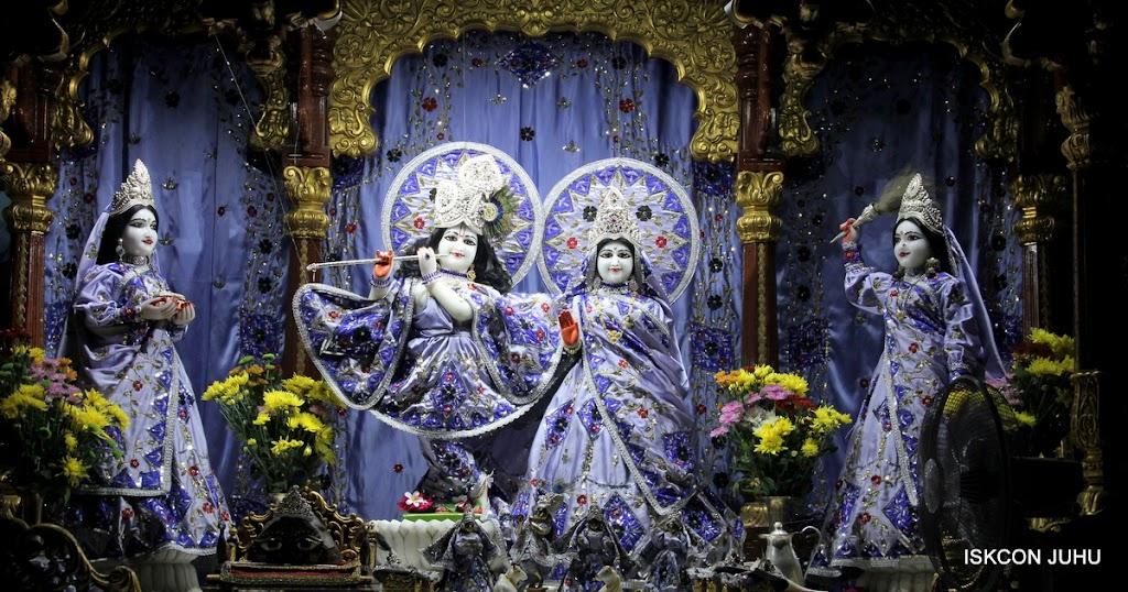 ISKCON Juhu Mangal Deity Darshan on 11th Aug 2016 (19)