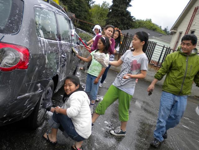 Tibetan Sunday School: Car Wash Fundraiser - Car%2BWash%2B-%2BJune%2B2010%2B016.jpg